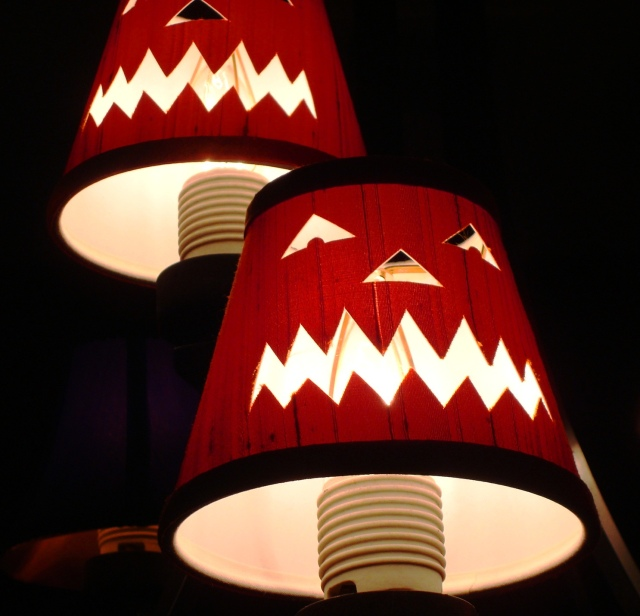 Jack-o-lantern light shades - Big Grin