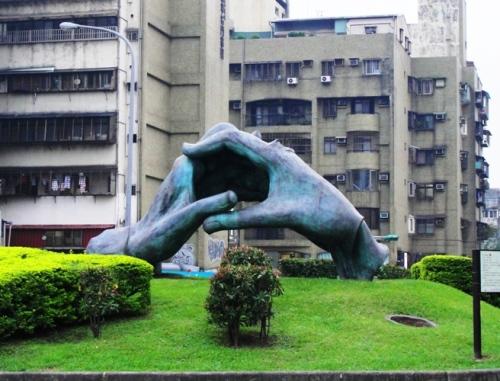 Taipei Hands Sculpture - Clasped hands - Large Sculpture