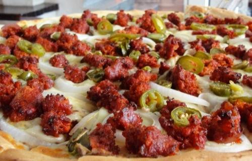Campirana Pizza - Chorizo, Frijoles, Jalapeños y Cebolla - Pi Day - 3.14159 - Pizza Pie