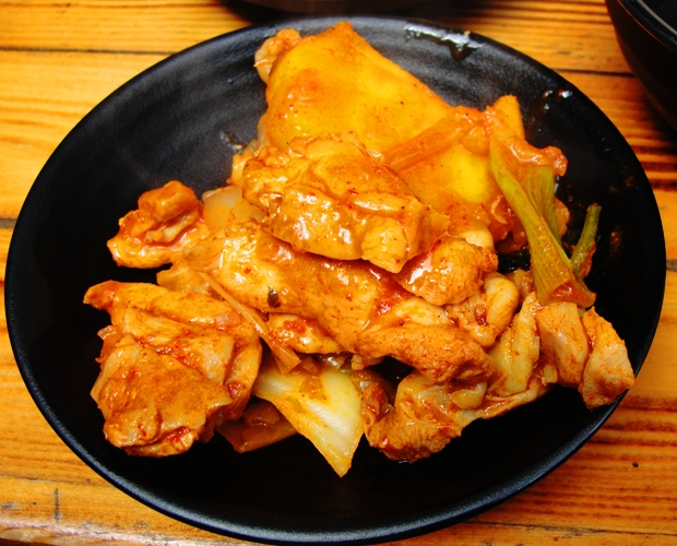 spicy marinated chicken, cabbage, sweet potatoes, onions and tteok, Dak Galbi - Korean Food - Spicy Lunch