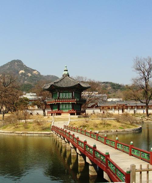 Hyangwonjeong - Gyeongbokgung palace - Seoul, South Korea - Pavilion - Square Pond - Garden