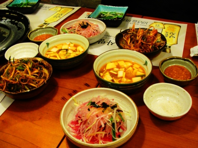 Korean BBQ - Small dishes - Korean Food - Charcoal BBQ - Side Dishes