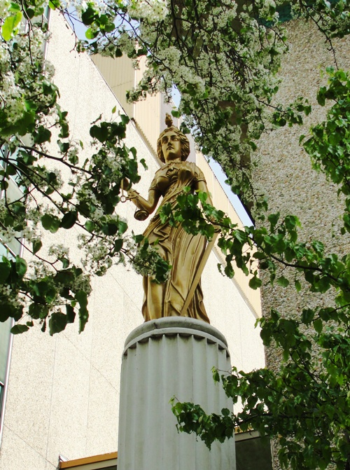 Goddess of Justice - San Joaquine County Court House - Statue of God of Justice - Spring Blooms