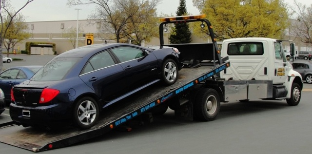 Car being Towed - Starter Problems - Car Repair - Tow Truck