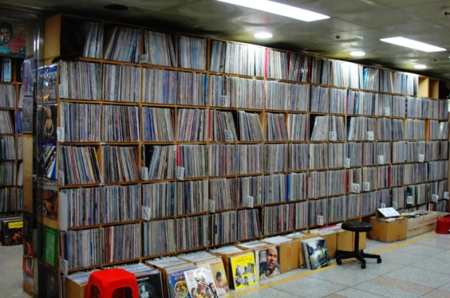 Hoehyeon Underground Shopping Arcade - Seoul Record Stores - LP's - Seoul Vinyl - Vintage Record Shop