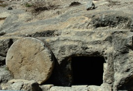 Tomb with rolling stone - Tomb in Israel - Ressurection - Easter Sunday - Vacation in Israel