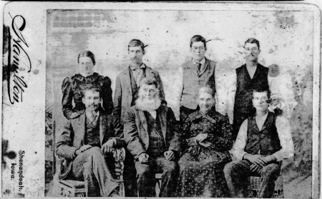 William Leeper Family - Irish Family - Shenandoa, Iowa - Old Family Portrait