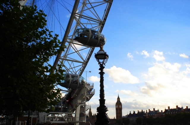 London Eye - Ferris Wheel - Big Ben - Lamp Post - Silhouette