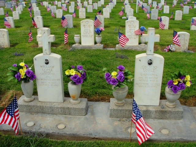 Tracy California Cemetery - Memorial Day - Graves of Veterans - Decoration Day