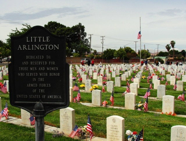 Memorial Day - Little Arlington - Tracy, California - Graves of Veterans