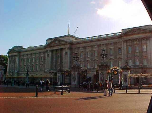 Buckingham Palace - Prince William and Kate - Royal Baby - Genealogy