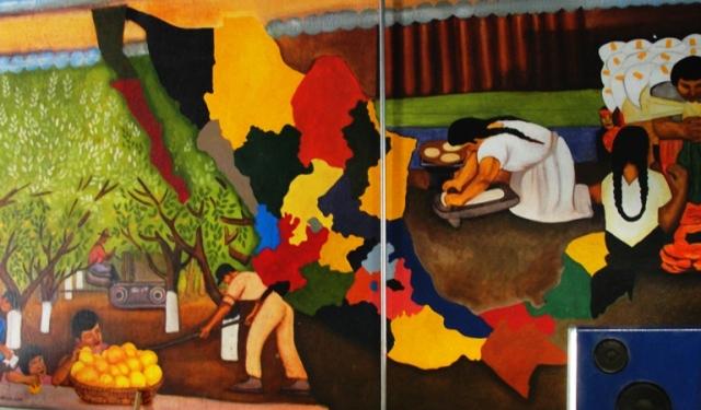 Mexican Restaurant - Ernie's Taqueria - Patterson California - Mural