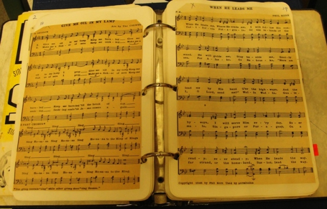 Old choruses - Song Book - Old Songs - Religious Songs - Music - Childhood Songs