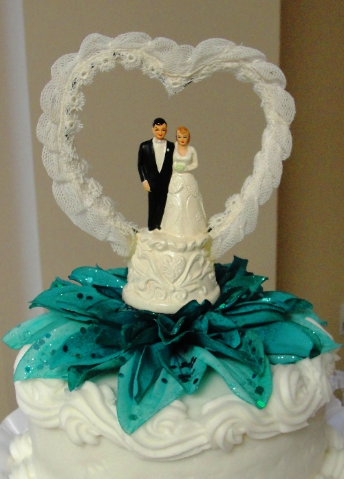 1960's Wedding Cake Top - Bride and Groom - Cake top - 50th Wedding Anniversary - Golden Anniversary - Wedding Cake