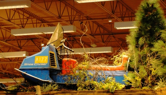 Old Snowmobile - Bass Pro Shops - Toronto, Canada - Outdoor World - Winter transportation