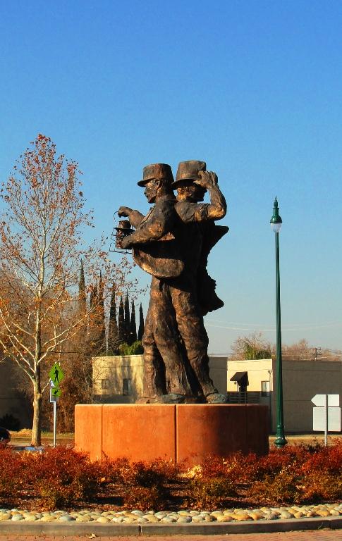 Harvest of Progress - Statue - Tracy, California - Rowland Cheney - California Artist