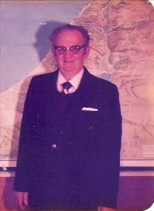 Preacher - Grandpa - Weed, California - Preacher Grandpa - Midwestern School of Evangelism