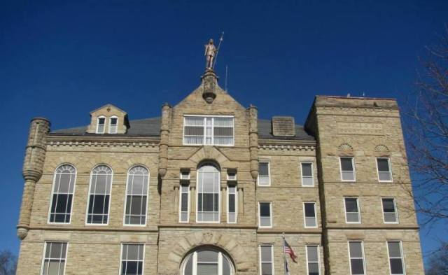 Wapello County Court House, Ottumwa, Iowa - Chief Wapello - Statue - Native American Statue