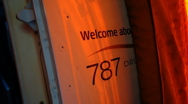 Boeing 787 Dreamliner - United 787 - NRT-LAX - New Airplane