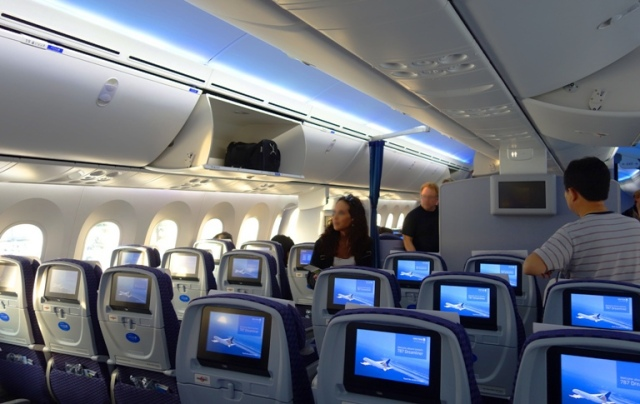 Boeing 787 - United Airlines 787 Interior - Economy Class on 787 - Luggage Bins