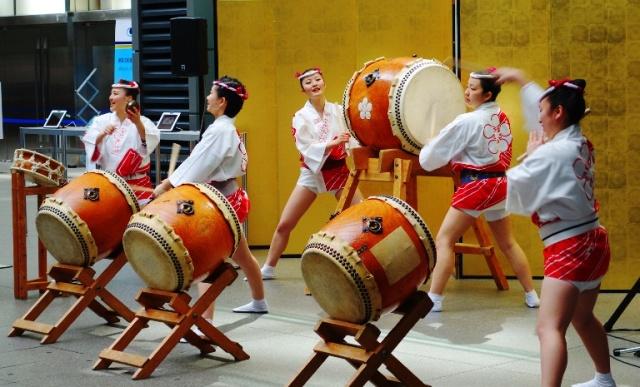 Taiko - Kumi-daiko - Japanese drumming - drum performance
