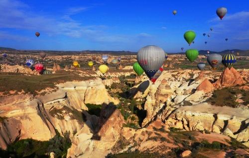 Hot Air Ballons - Cappadocia - Rock formations - Kapadokya Balloons