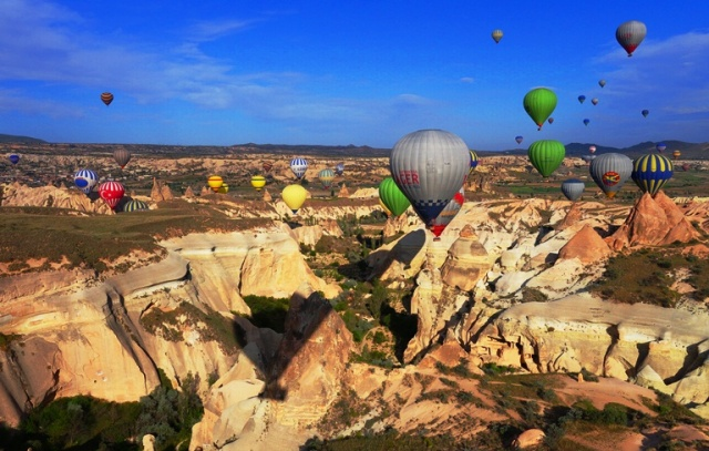 Hot Air Ballons - Cappadocia - Rock formations - Kapadokya Balloons