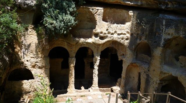 Besikli Cave Tombs - Roman Ruins - Roman tombs - Titus Tunnel