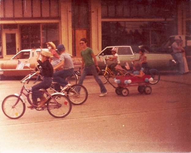 4th of July Parade, Bicycles, Wagon, Small town parade, Independence day parade