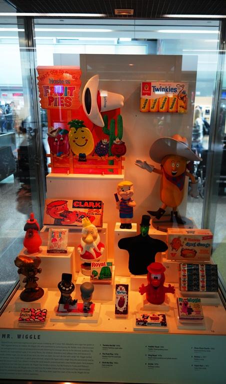 Hostess Display, San Francisco Airport, Food Items, Culture, Twinkies, Hostess