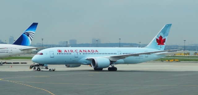 Air Canada Jet, Toronto Airport, Pearson Airport, Flying Home