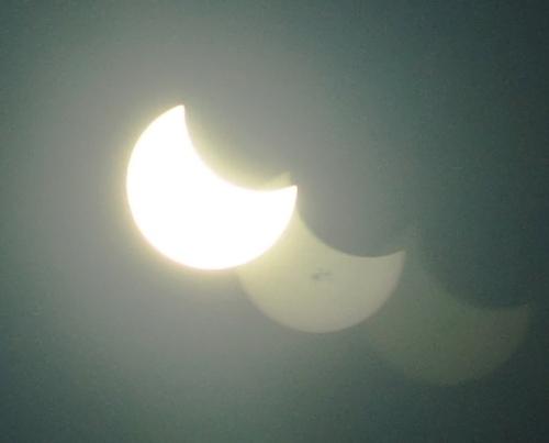 Multiple Eclipse Images, Double Pane Glass, Eclipse, Solar Eclipse, Partial Eclipse