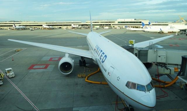 Triple 7, Boeing 777, Flight to Tokyo, SFO - HND, Airplane