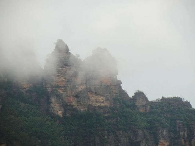 Three Sisters, Katoomba, Blue Mountains, Australia, Fog