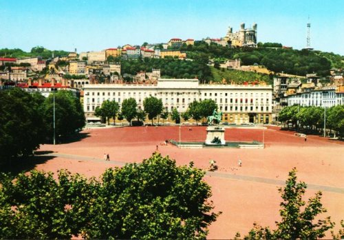 La Place Bellecour et la Colline de Fourviere, Postcard, Lyon France