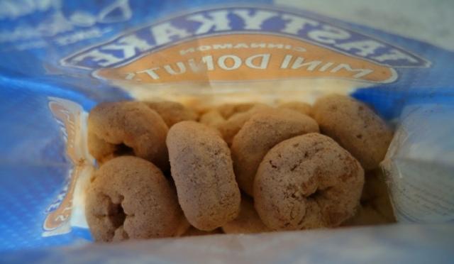 Tastykake donuts, snack cakes, Flowers Foods, Cinnamon donuts