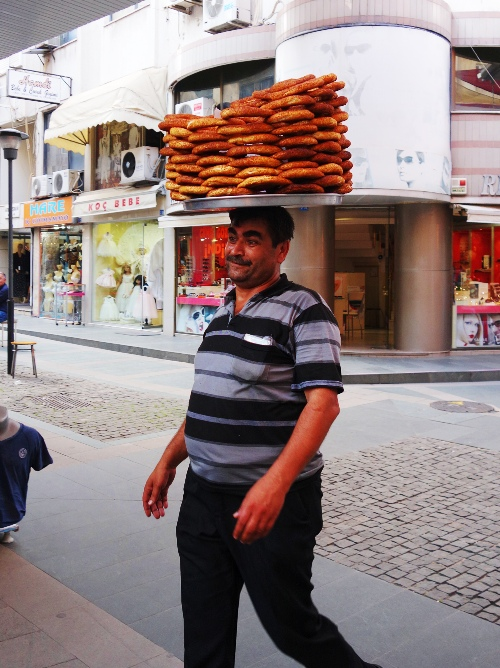 Pretzel Guy, Pretzels on Head, Turkey