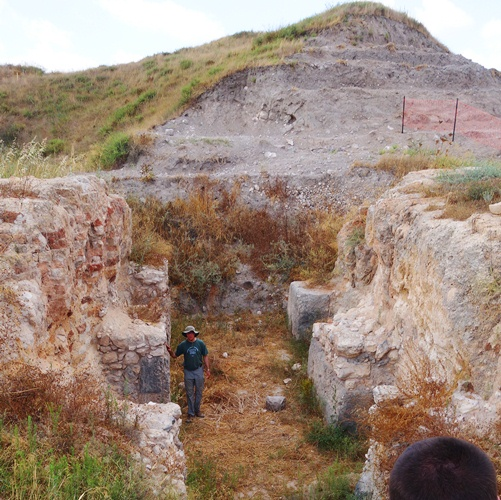 Middle Bronze Gate, Gezer, Caananite Gate, Fortification System