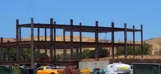 Steel Erection, East County Hall of Justice, Alamed County California, Construction