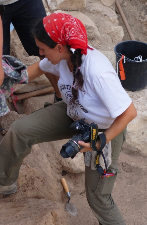 Photography, archaeology, Photos at the dig, Camera