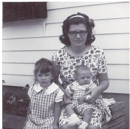 Dressed like Big Sister, Wellman, Iowa, Farm, Family Picture