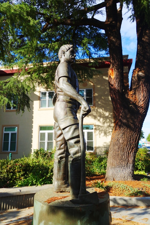 Tracy Firefighter Memorial, Firefighter statue, Tracy Fire Department