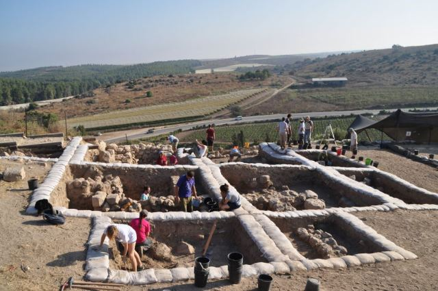 Lachish, Tel Lachish, Late Bronze Canaanite Temple, Archaeology, Inscription