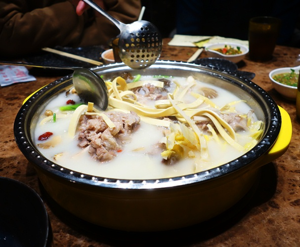 Hot Pot, China, shanghai, Pudong, Chinese Food, pig bones, noodles