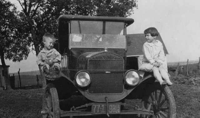 Model T Ford, Grandma, Tin Lizzie, Old Cars