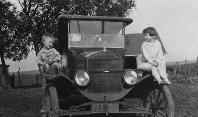 Model T Ford, Grandma, Tin Lizzie, Old Cars