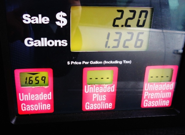 Low Gas Price, $1.659, gas price, gallon of gas, Tom Thumb Gas Station
