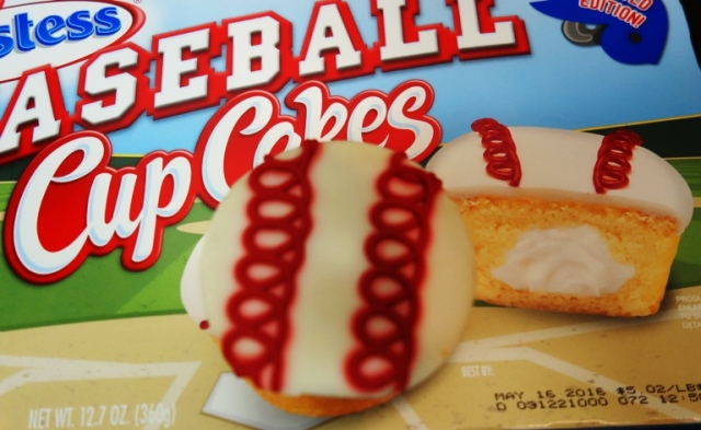 Baseball Cupcakes, Hostess, snack cakes, limited edition