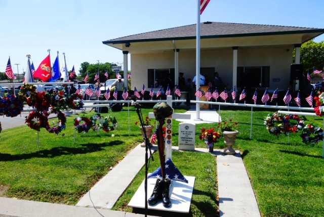 Memorial Day, Wreathes, Tracy, California, Cemetery, Unknow Veteran