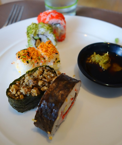 Sushi, Straits Cuisine, Straits Cafe, Singaporean Cuisine